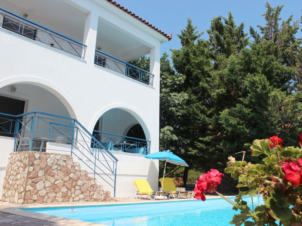 Messinia Cleo Villa, two bedroom villa with superb views over the Bay of Messinia